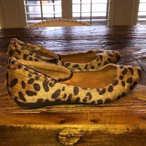 Shoes - Gap Leopard 🐆 Print Flats